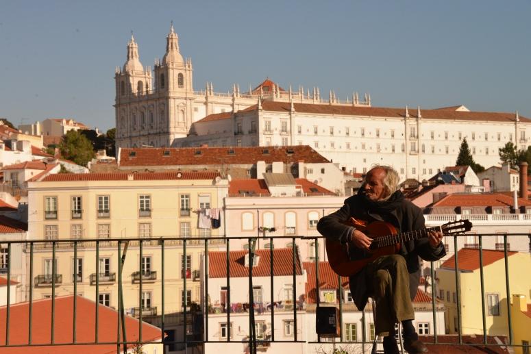 DNXB_Lisbon_Guitar_Man