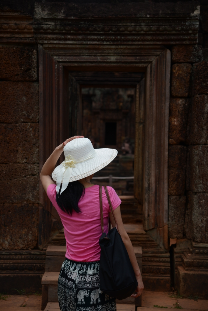 Angkor_Banteay_Srey_White_Hat_DNXB