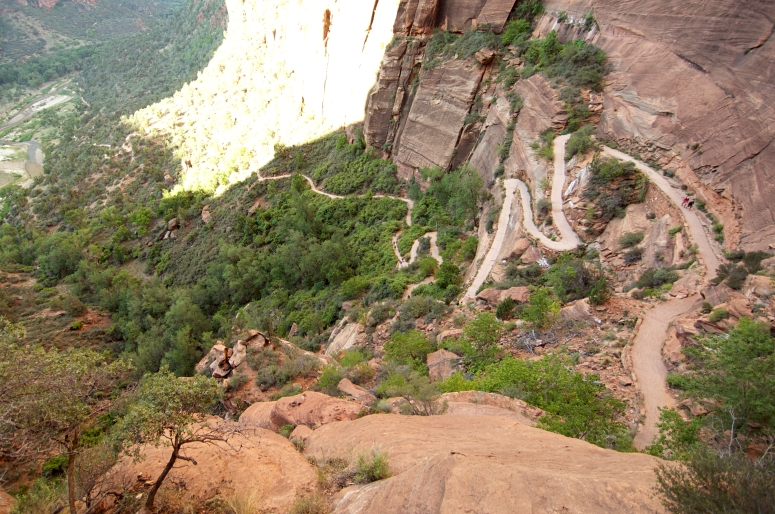 DNXB dongnanxibei Angel's Landing switchback hike trail difficult Utah Zion National Park