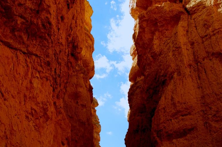 DNXB dongnanxibei Navajo Loop Trail Hike Bryce Canyon National Park Utah UT gap canyon sky