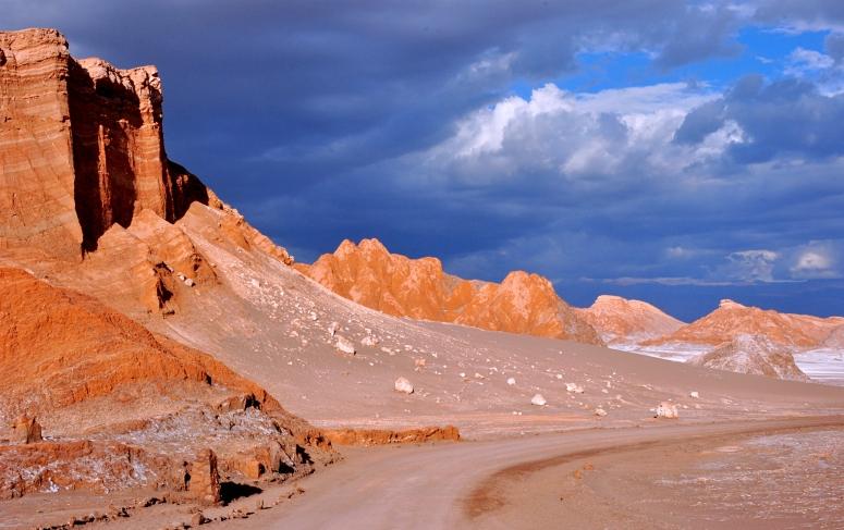 Valle de la Luna sunset purple sky Atacama desert San Pedro CosmoAndino DNXB dongnanxibei Nikon D90
