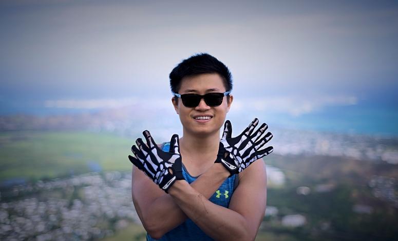 will-olamana-skull-hands-dnxb-dongnanxibei