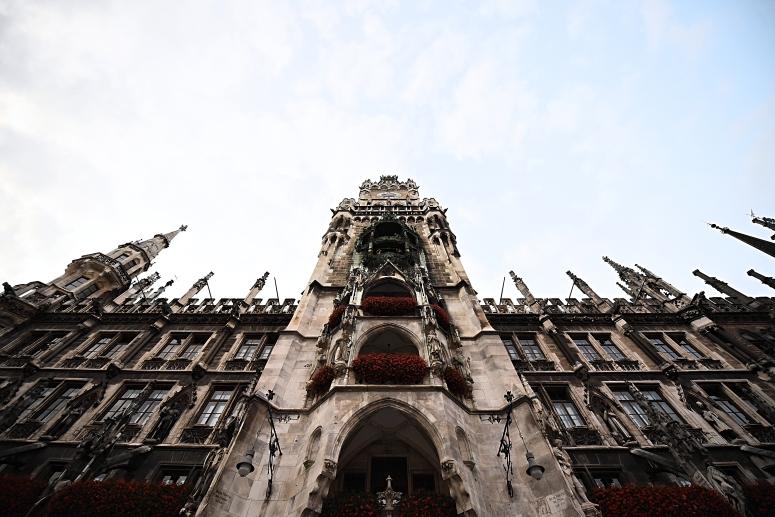 Munich Glockenspiel Marianplatz